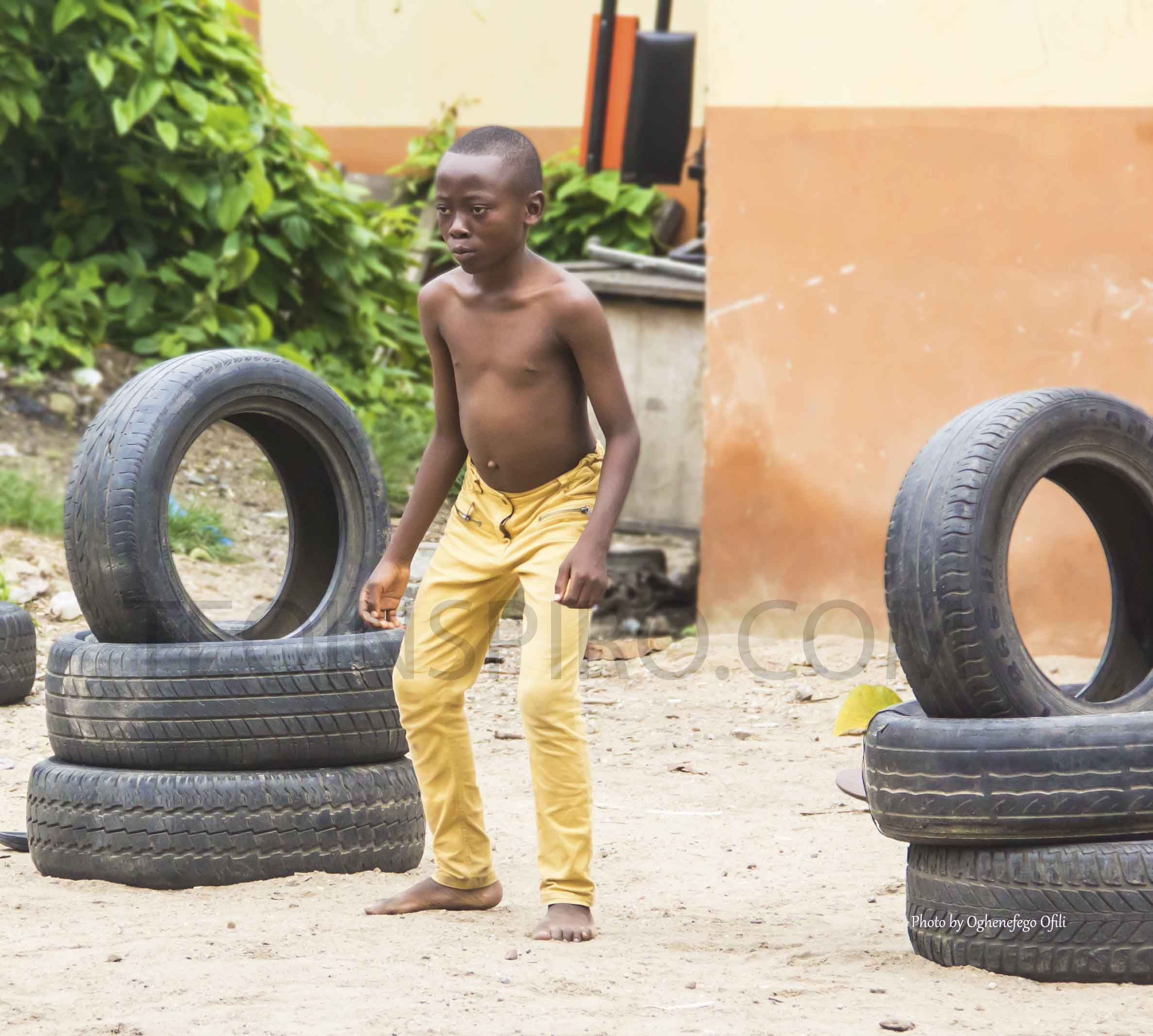 There is hardly any Nigerian lad who did not play football on the streets or during breaktime in school. This sport is like a culture. It is an opportunity to socialize and bond